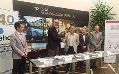 Acuerdo de colaboración entre AEHCOS y Cruz Roja Malaga