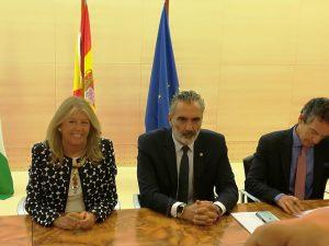 Firma convenio entre ayuntamiento de Marbella y AEHCOS