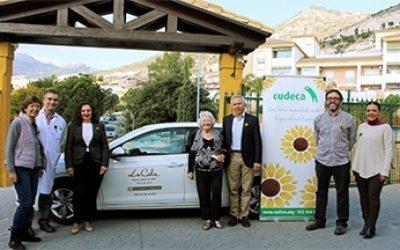 Vehículo asistencial entregado a CUDECA por La Cala Resort y socios de Golf