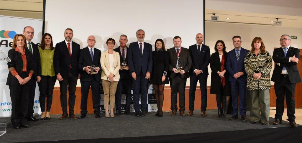 Premiados, autoridades y representantes de AEHCOS en la XII edición de los Premios AEHCOS